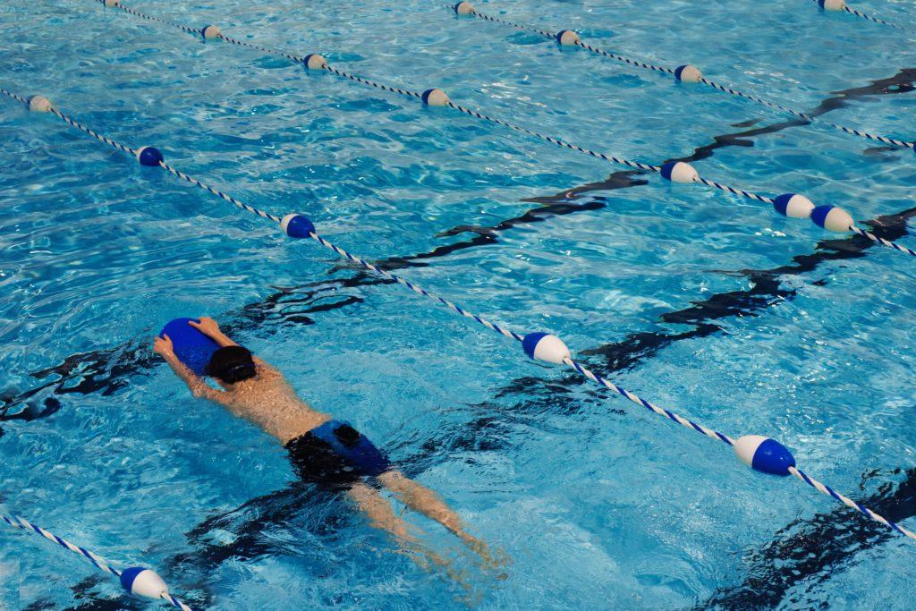 Natation pour renforcer les muscles sans souffrir